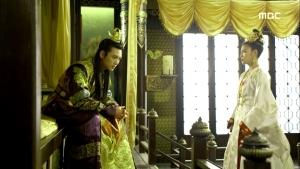 Empress.Ki.E47.140415.HDTV.XviD-LIMO.avi_001430597