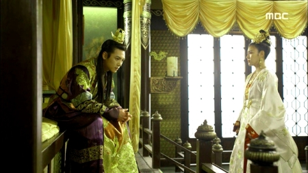 Empress.Ki.E47.140415.HDTV.XviD-LIMO.avi_001430597
