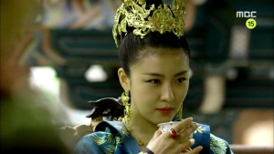 Empress.Ki.E48.140421.HDTV.XviD-LIMO.avi_001210677