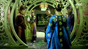 Empress.Ki.E48.140421.HDTV.XviD-LIMO.avi_001622255