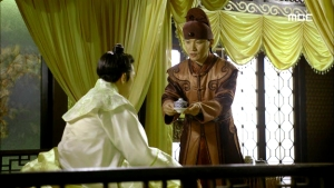 Empress.Ki.E49.140422.HDTV.XviD-LIMO.avi_001111044