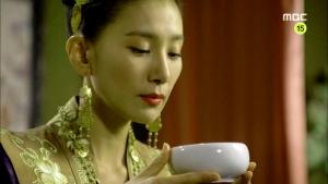 Empress.Ki.E51.END.140429.HDTV.XviD-LIMO.avi_002434467