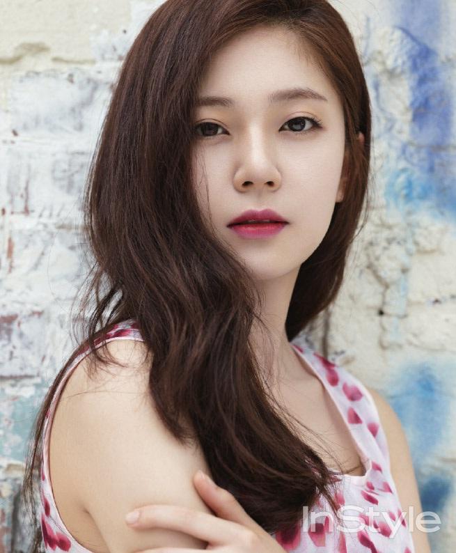 baekjinhee+instyle+aug14+1