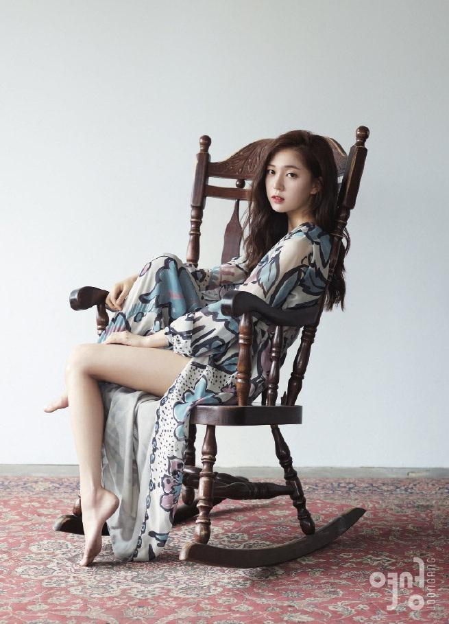baekjinhee+instyle+aug14+2