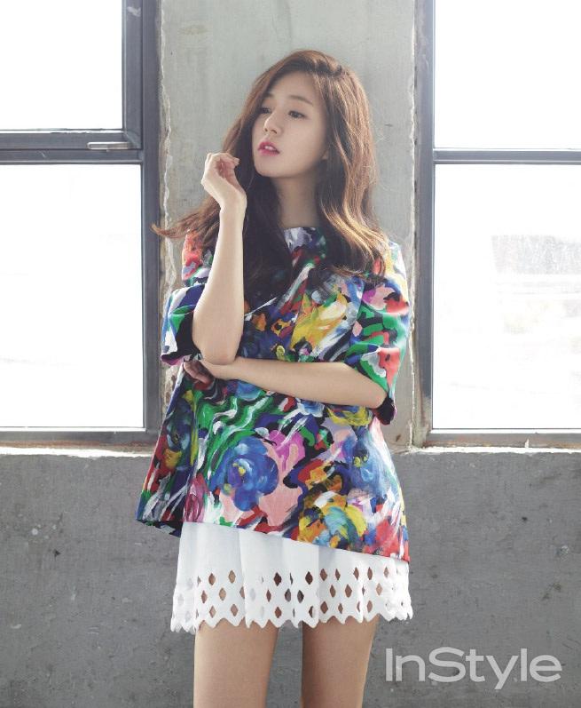 baekjinhee+instyle+aug14+6