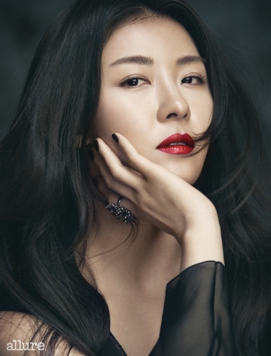 hajiwon+allure+july14+4