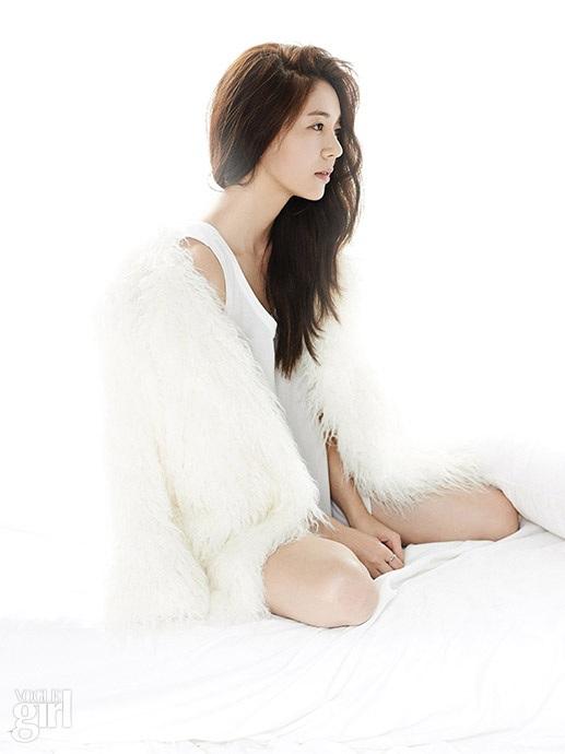 baekjinhee+voguegirl+sep14+2