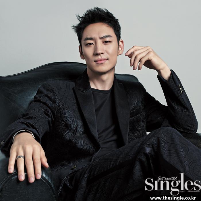 leejehoon+singles+sept14_5