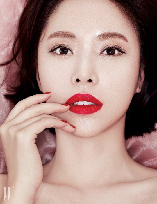 hwangjungeum+w+mar15+11