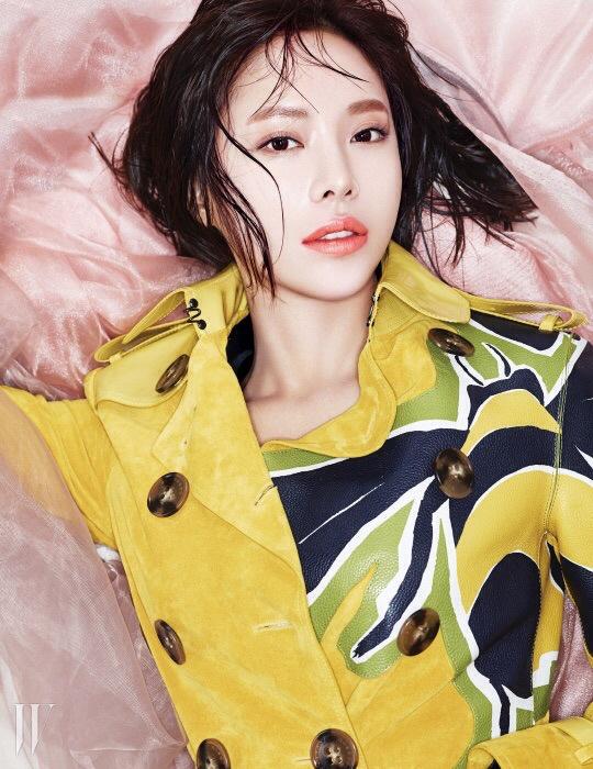 hwangjungeum+w+mar15+21