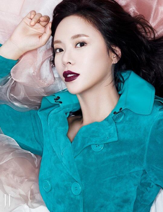 hwangjungeum+w+mar15+3
