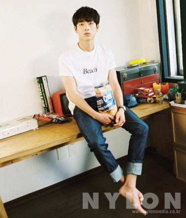 seokangjoon+nylon+aug14_3