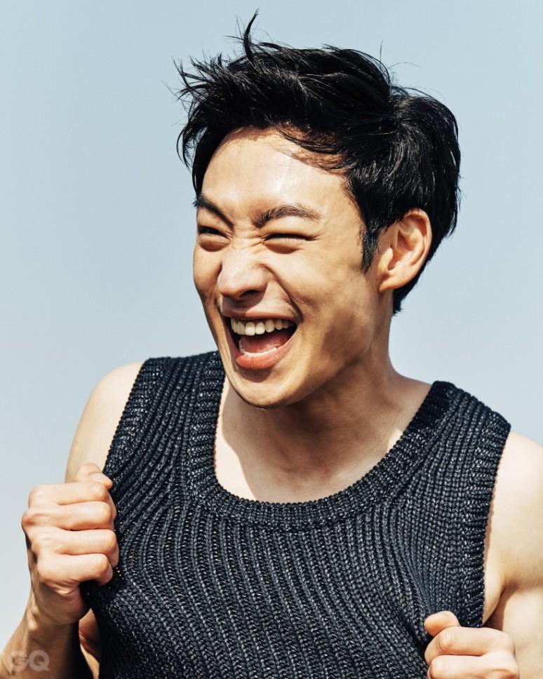 leejehoon+gq+may16int_2