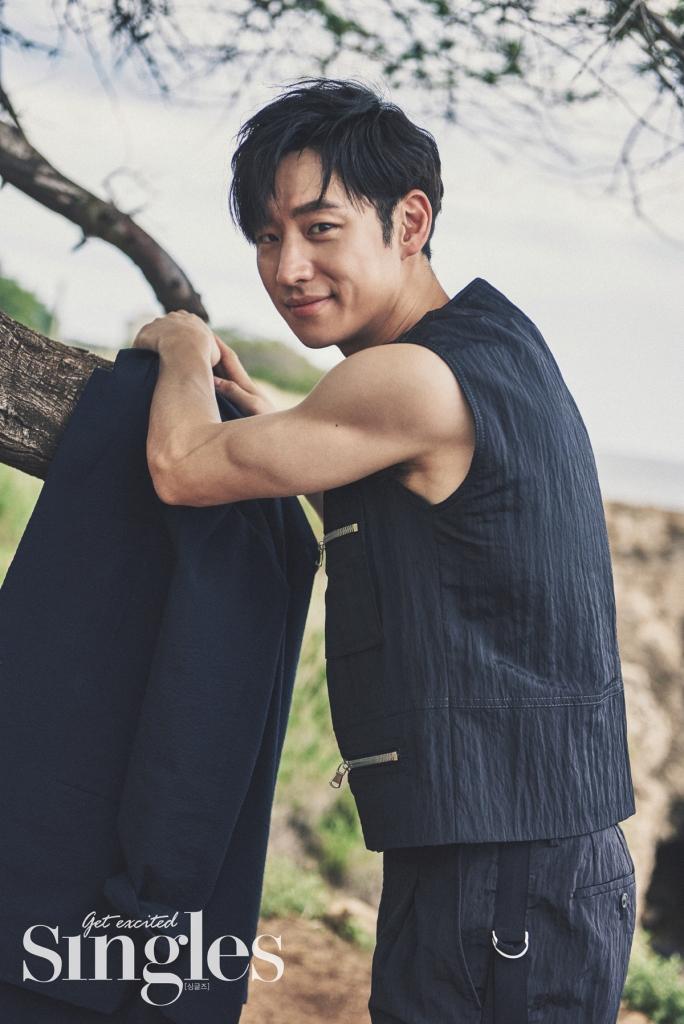leejehoon+singles+july16_1