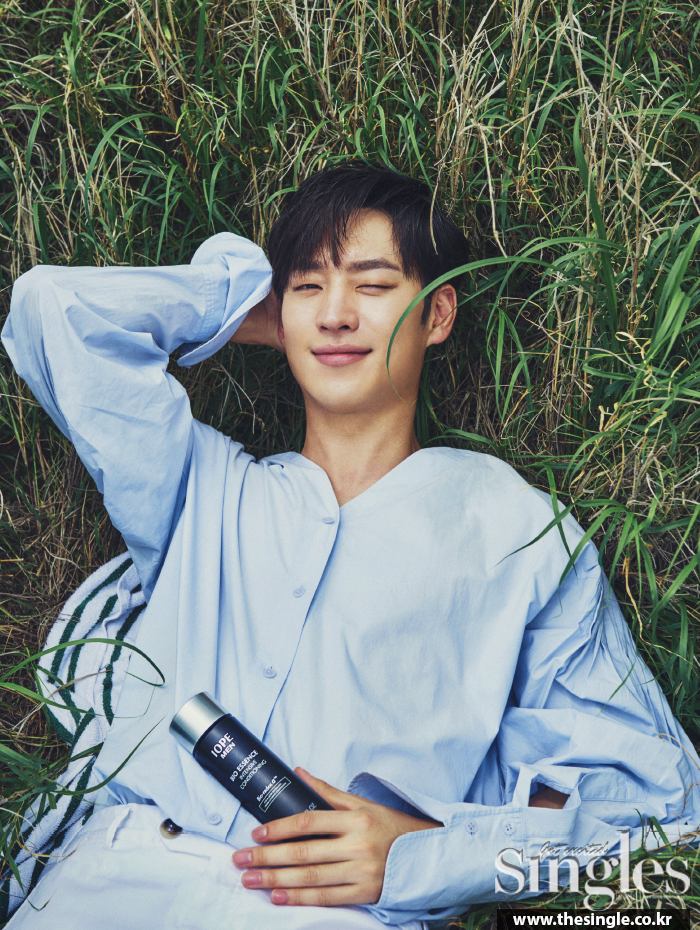 leejehoon+singles+july16_4